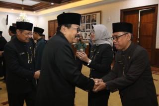 Soekarwo Mutasi Sejumlah Pejabat Pemprov Jatim
