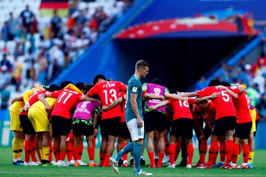 Reaksi Toni Kroos usai Jerman ditumbangkan Korea Selatan (Foto: AFP PHOTO / BENJAMIN CREMEL)