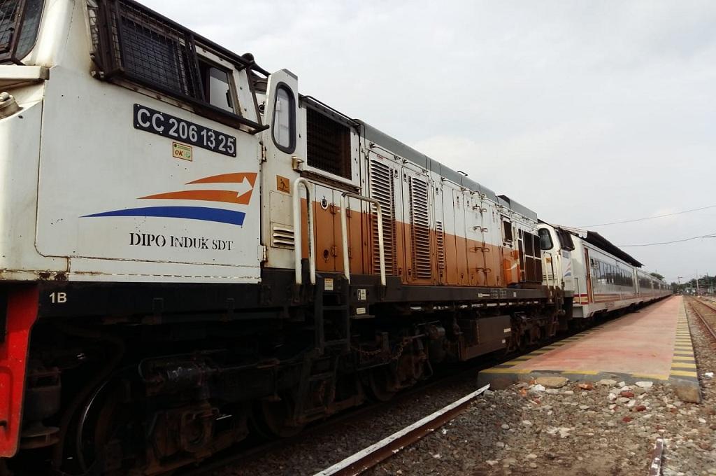 KA Mutiara Timur tiba di Stasiun Jember, Medcom.id - Koesbandono