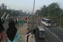 Warga Tetap Padati Area CFD di Bekasi