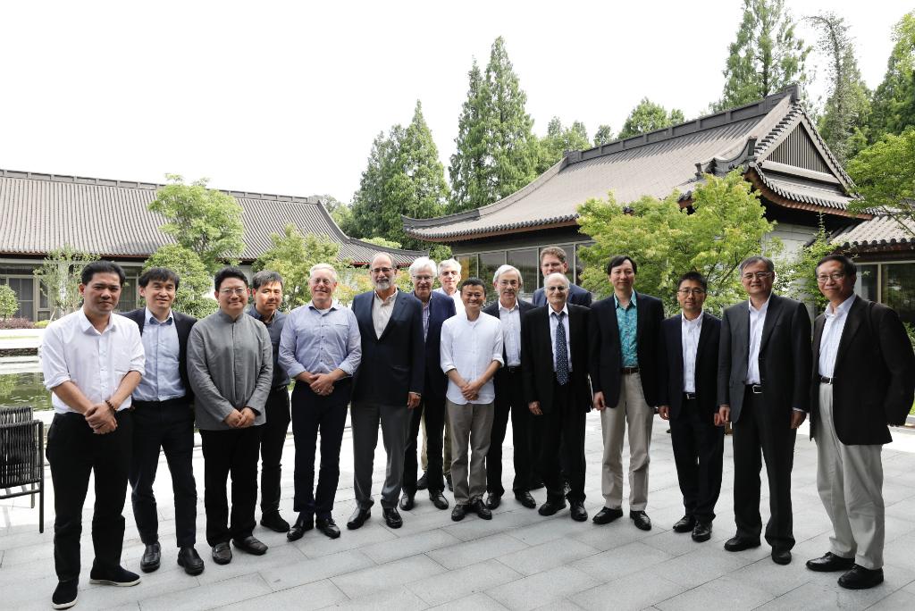 Alibaba dan mitra meresmikan pendirian platform riset terkait teknologi terbaru, bertajuk Luohan Academy.