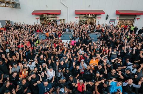Tesla Kebut Produksi 5.000 Model 3 dalam Sepekan