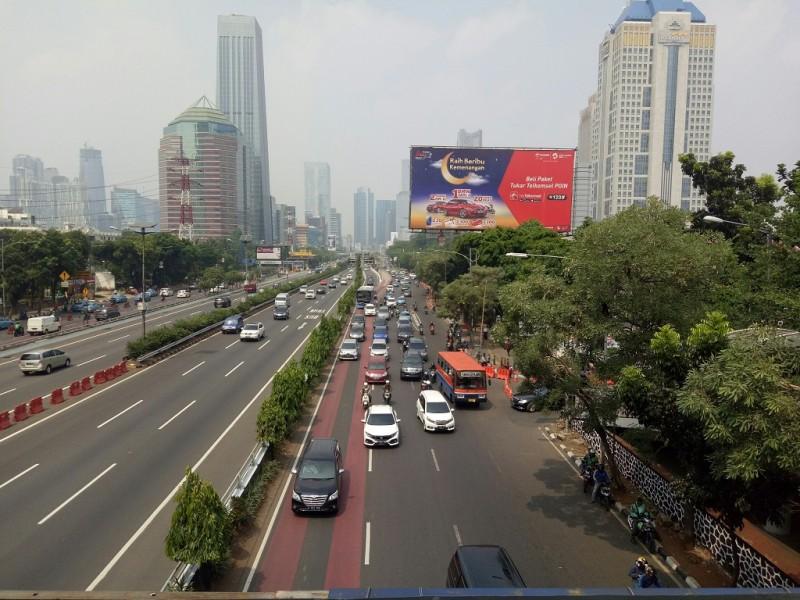 Jalan Gatot Subroto saat uji coba perluasan ganjil genap - Medcom.id/Arga Sumantri.