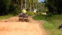 Jalan Tiga Desa di Kepulauan Natuna Masih Bertanah