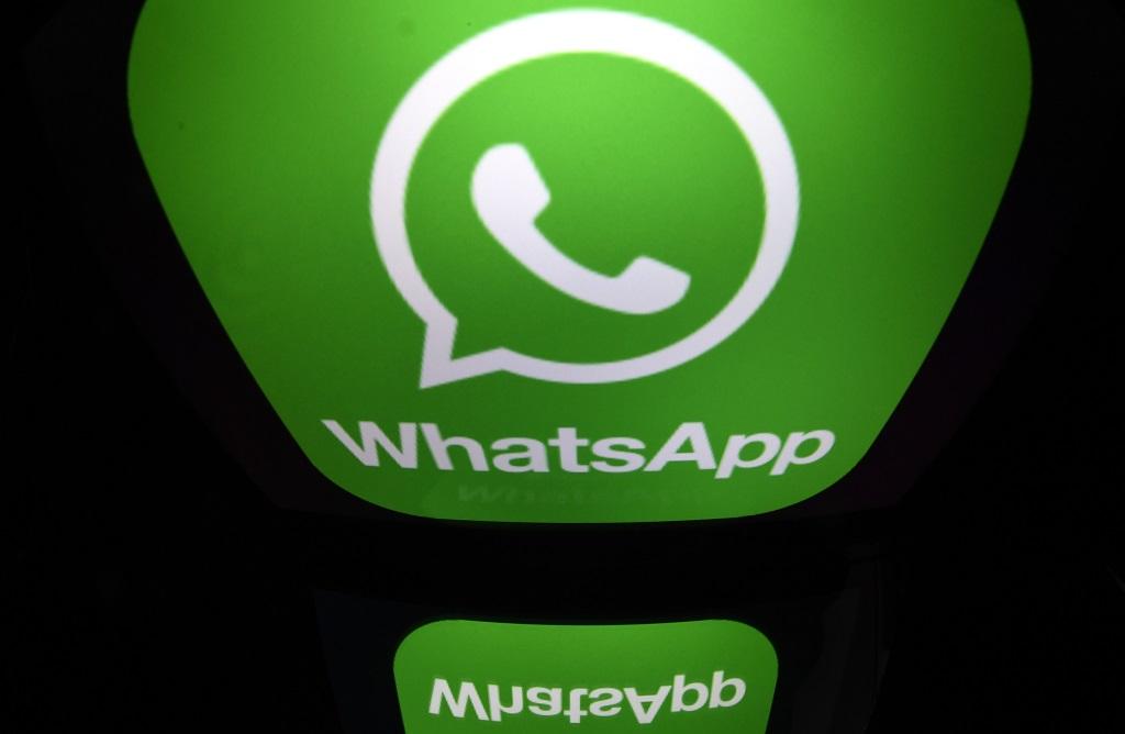 Rumor salah di WhatsApp sebabkan kematian lima orang di India. (AFP PHOTO / Lionel BONAVENTURE)