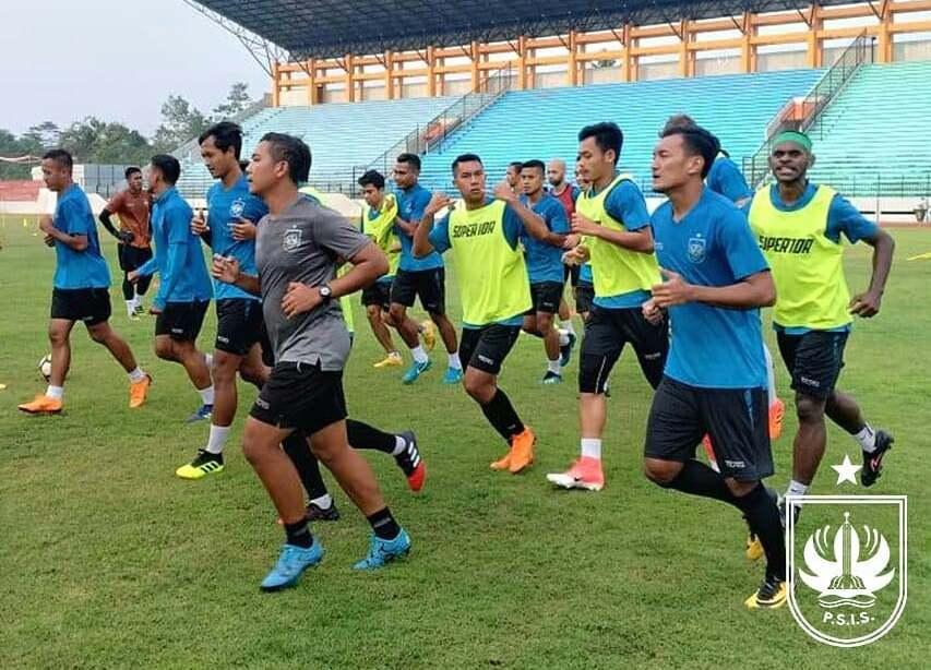 Suasana latihan skuat PSIS Semarang. (Foto: Instagram/@psisofficial)