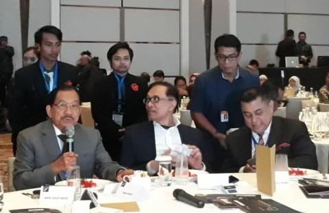 Mahathir akan Serahkan Kekuasaan Pada Waktu yang Tepat