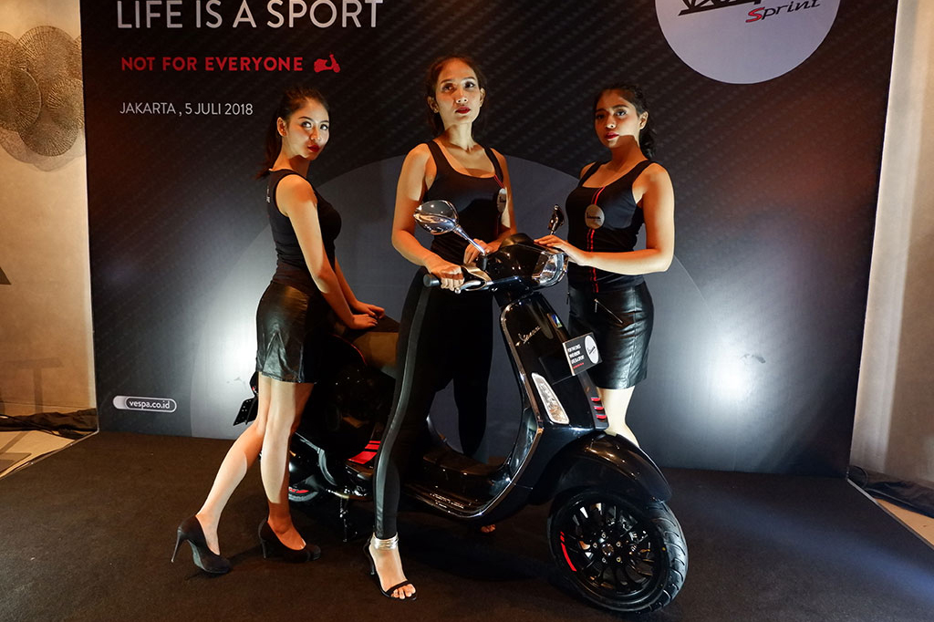 New Vespa Sprint Carbon yang Kian Sporty
