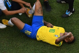 Saat Ronaldo Membela Neymar