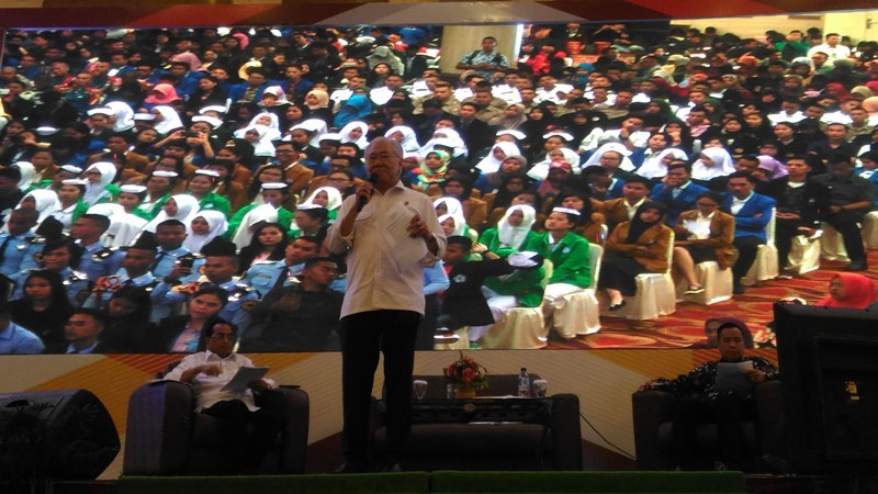 Menteri Perdagangan RI, Enggartiasto Lukita dalam acara Dialog Nasional Indonesia Maju di Medan International Convention Center, Medan, Kamis 5 Juli 2018. Farida