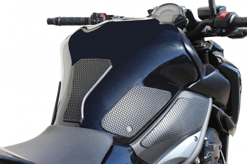 Tank pad memiliki beragam manfaat ketika berkendara. Biking Spirit