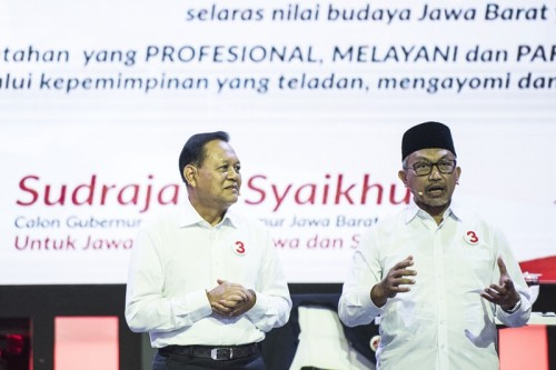 Pasangan calon nomor urut tiga Jawa Barat Sudrajat-Ahmad