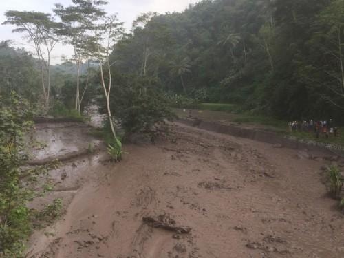 Lahar dingin yang terjadi di Sungai Yeh Asa pada 27 November