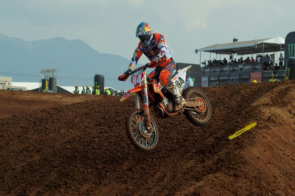 Jeffrey Herlings Raih Pole Position di MXGP Semarang