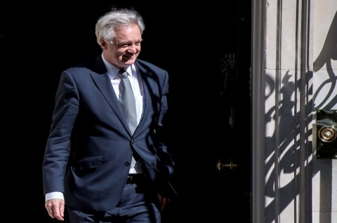 Menteri Brexit David Davis di London, Inggris, 19 April 2017.