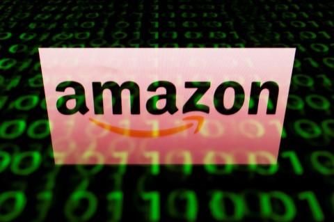 Amazon masih membiarkan penjualnya menjual barang-baran Nazi.