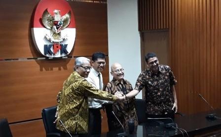 KPK Diminta Telusuri Rekam Jejak Calon Hakim MK