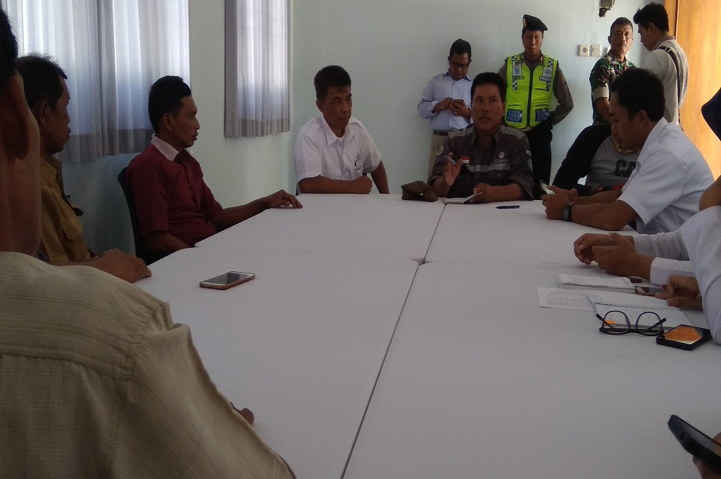 Warga datangi kantor help desk PT Angkasa Pura I di Kulon Progo terkait dampak pembangunan NYIA, Senin, 9 Juli 2018, Medcom.id - Mustaqim