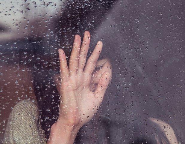 Sebuah studi menemukan bahwa trauma masa kecil memberi dampak jangka panjang. (Foto: Milada Vigerova/Unsplash.com)
