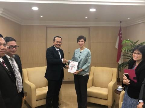 KBRI Singapura saat ini telah memberikan sertifikat hasil