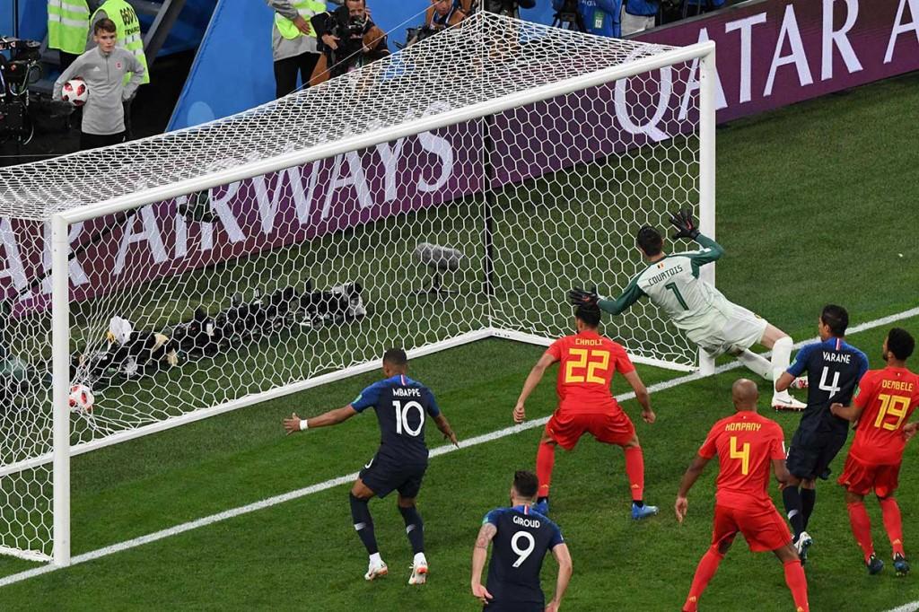 Euforia Kemenangan Prancis Atas Belgia