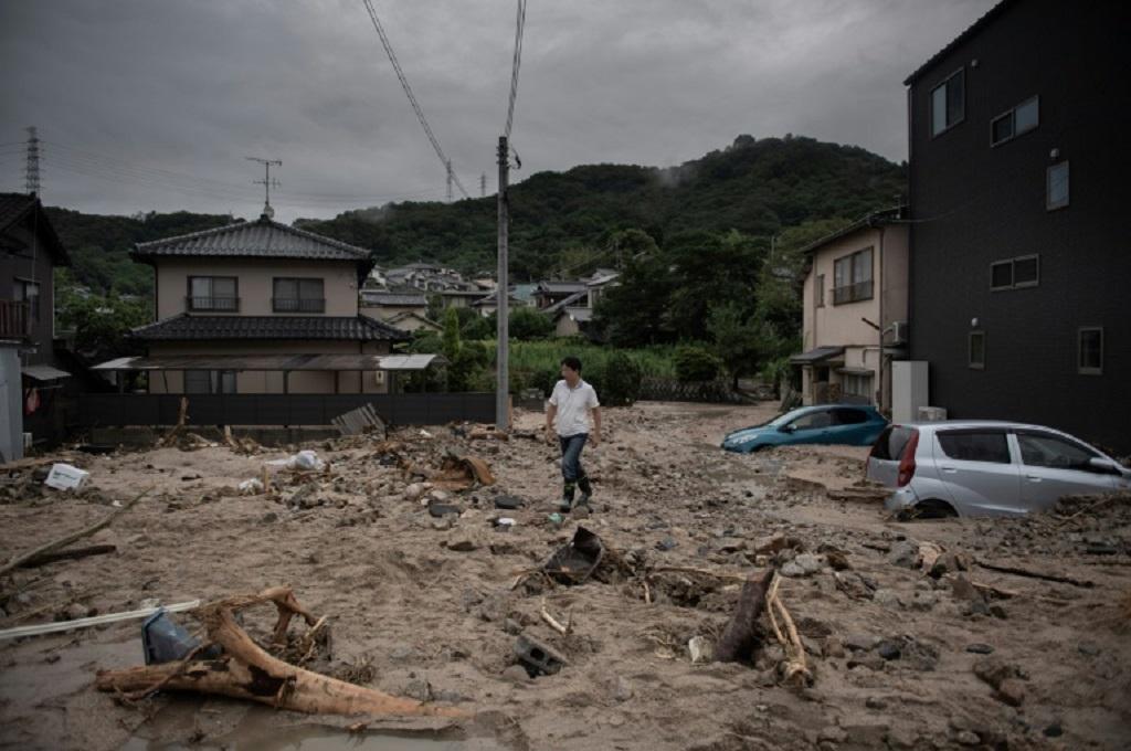 Banjir bandang serta tanah longsor ini merupakan yang terburuk di Jepang sejak tiga dekade terakhir. (Foto: AFP)