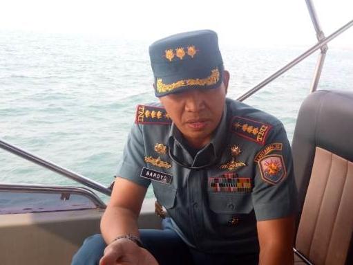 Komandan Pangkalan TNI AL (Danlanal) Banten Kolonel Baroyo Eko Basuki, saat melakukan patroli pengamanan laut di lokasi semburan gas. Medcom.id/Hendrik Simorangkir