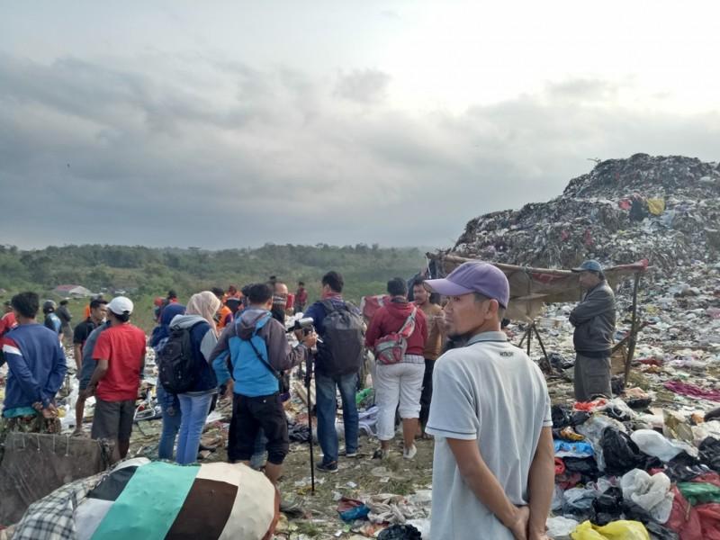Tempat Pembuangan Akhir (TPA) Supit Urang di Mulyorejo, Sukun, Kota Malang, Jawa Timur, Rabu 11 Juli 2018.  Medcom.id/Daviq Umar Al Faruq