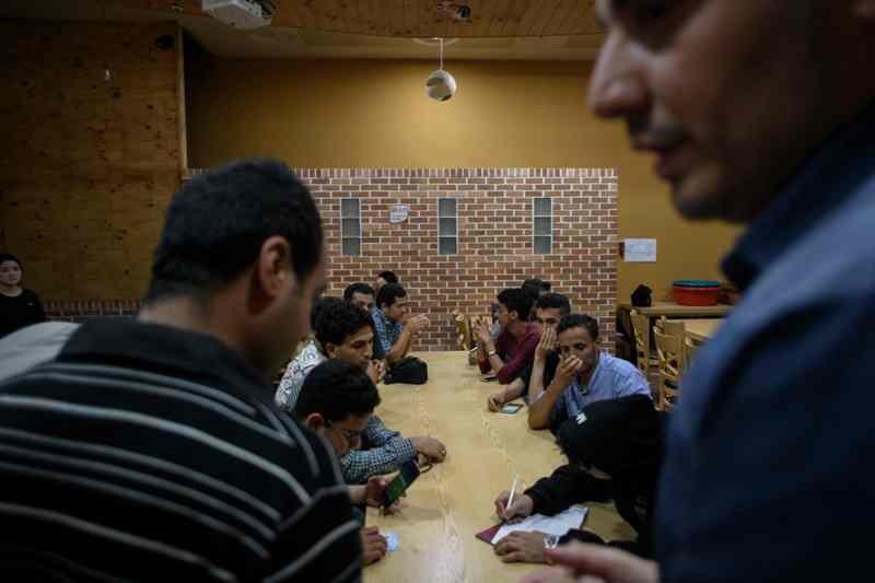 Pengungsi Yaman yang berada di Korea Selatan tengah mencari akomodasi (Foto: AFP).