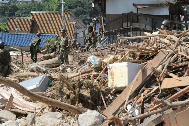 Kehancuran tampak di lokasi banjir yang melanda Jepang (Foto: AFP).