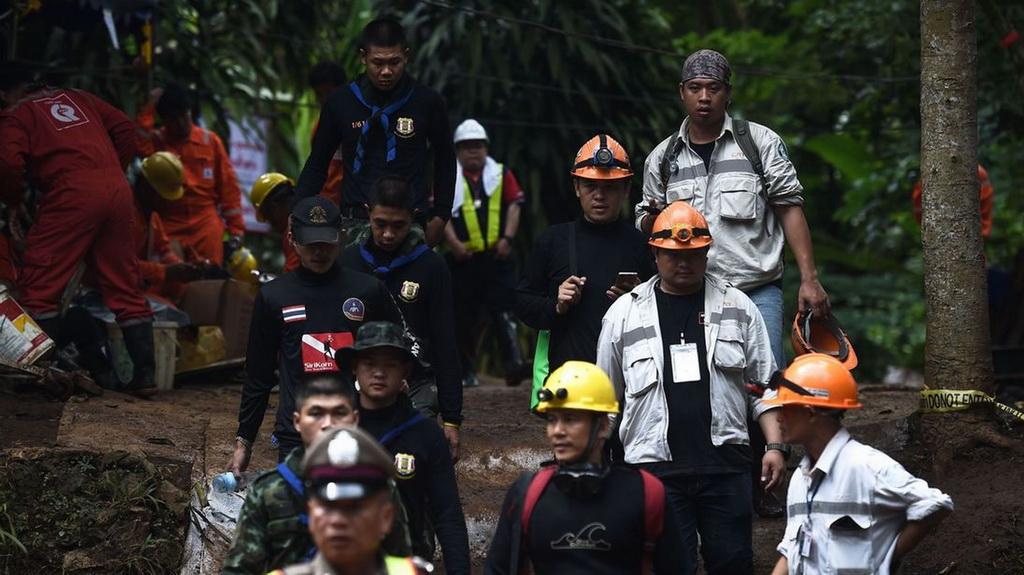 Proses penyelamatan pelatih dan 12 anak tim sepakbola Wild Boars dari Gua Tham Luang (Foto: skynews)