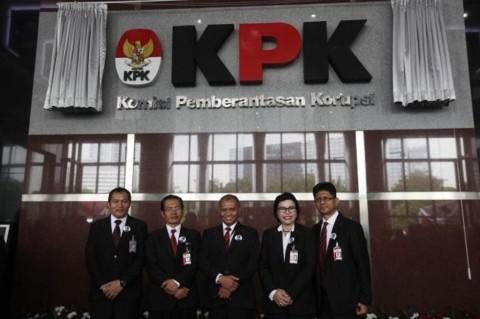 Lima KPK pimpinan berpose di Gedung KPK. Foto: MI.