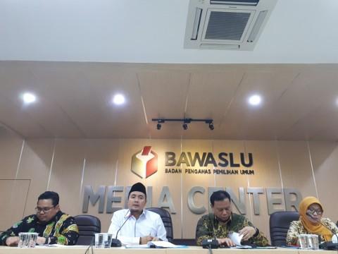 Bawaslu meminta KPU menyelesaikan masalah DPTb. Foto: