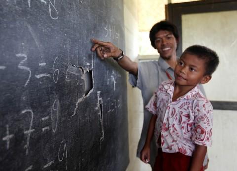 Daerah Terluar Kekurangan Tenaga Guru
