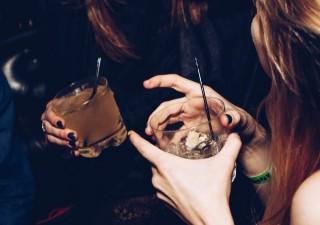 Berapa Lama Alkohol Bertahan dalam Tubuh?