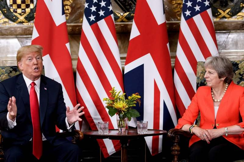 Pertemuan antara Perdana Menteri Inggris Theresa May dan Presiden AS Donald Trump (Foto: AFP).