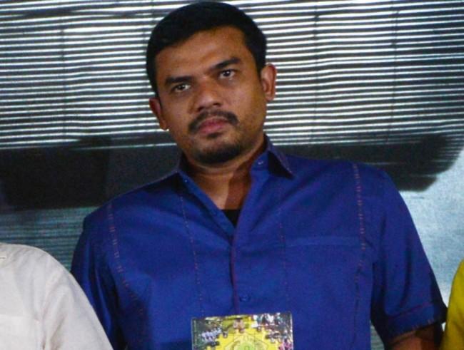 Politisi Partai Golkar Maman Abdurrahman pada peluncuran buku yang berjudul Mengembalikan Golkar ke Hati Rakyat--MI/Mohammad Irfan