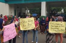 Ratusan Orang Tua Gelar Protes PPDB di Tangsel