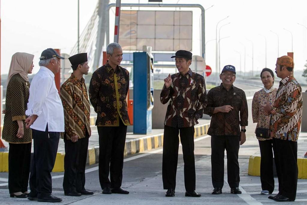 Jokowi Minta Rest Area Diisi Produk Lokal