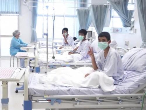 12 Remaja Thailand yang terjebak dalam gua menjalani perawatan
