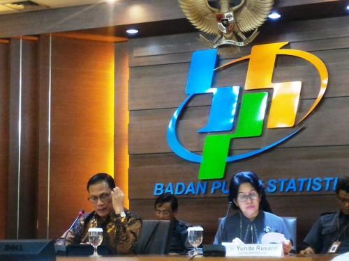 Kepala Badan Pusat Statistik (BPS) Suhariyanto (kiri depan).