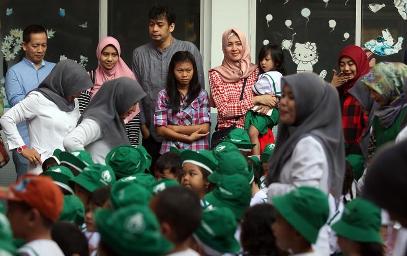 Hari pertama sekolah di di TK Islam Annajah, Jakarta Selatan, Senin, 18 Juli 2018, MI Ramdani