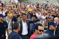 Jalani Tes Kesehatan, Ronaldo Disambut 10 Ribu Juventini