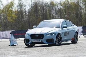 Uji Akurasi Berkendara ala Jaguar di <i>Smart Cone</i>