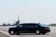 Putin Pamer Mobil Kepresidenan Baru di Finlandia