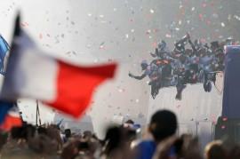 Timnas Prancis Diarak ke Istana Elysees