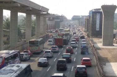 Lalu lintas di tol Jakarta-Cikampek, Rabu pagi 13 Juni 2018,