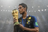 Juara Dunia, Varane Sampai Kesulitan Mengungkapkan Kebahagiaan