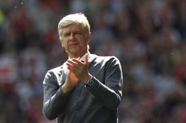 Wenger Mengaku Terlalu Lama di Arsenal