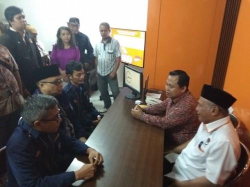 Pengurus DPD NasDem Kota Bogor mendaftarkan sejumlah caleg ke
